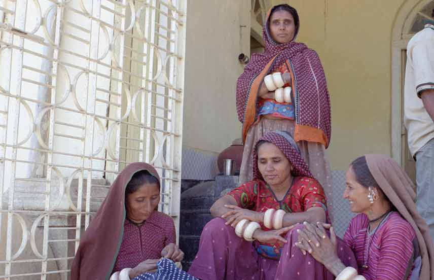 Seawomen-in post-earthquake-Gujarat, India
